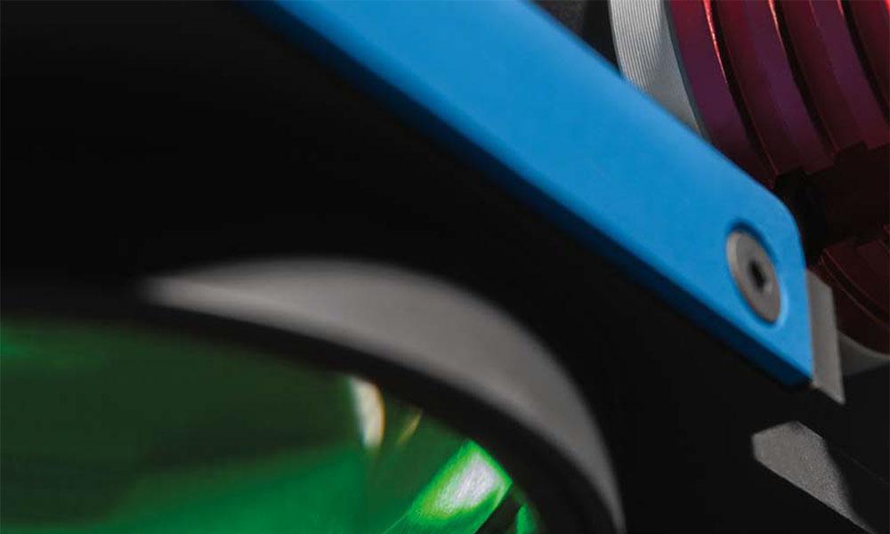 鏡面のキズ検査やネジ径などの寸法計測に最適な平行光照明のご提案